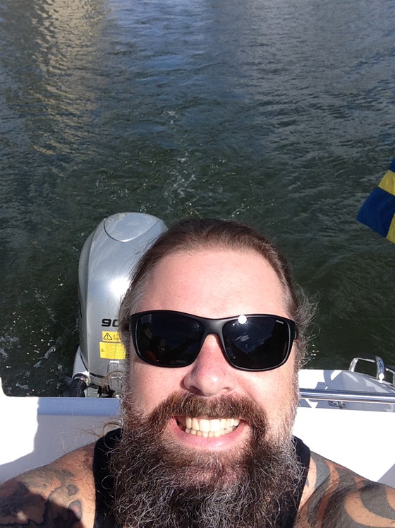 Peter sent a selfie on his way to the signing. :)