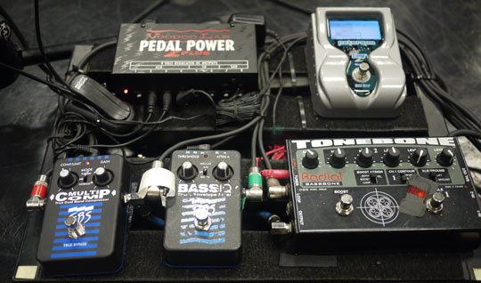 Sean Hurley's pedalboard on the John Mayer tour with the differently tweaked Bass IQ.